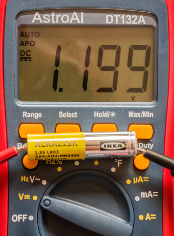how to use a multimeter to test a battery