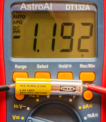 testing a battery with a multimeter